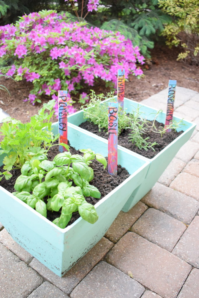 Simple Gardening with Toddlers – thematernalhobbyist.com